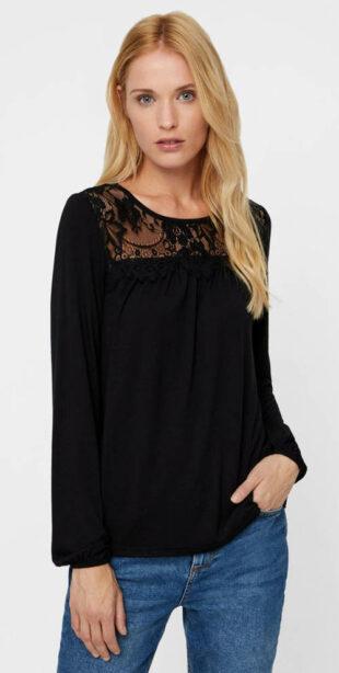 Čierne tričko s čipkovaným lemom VERO MODA