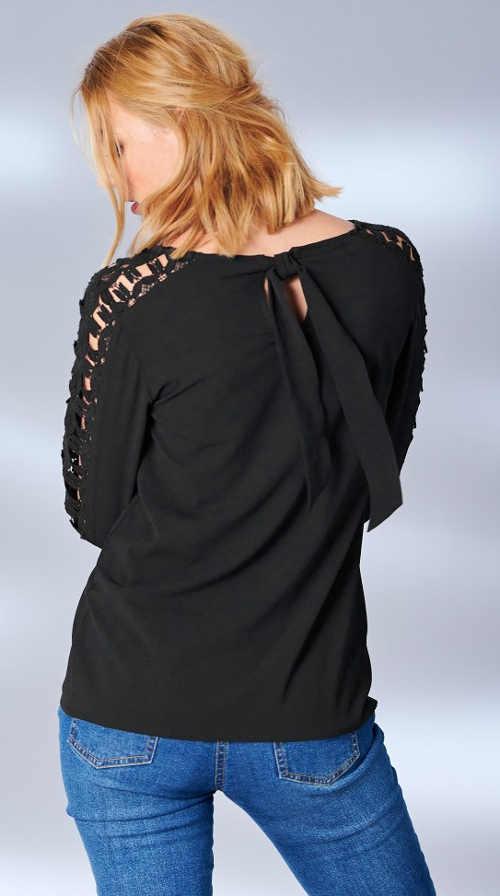 Tričko s čipkovanou perforáciou na rukávoch