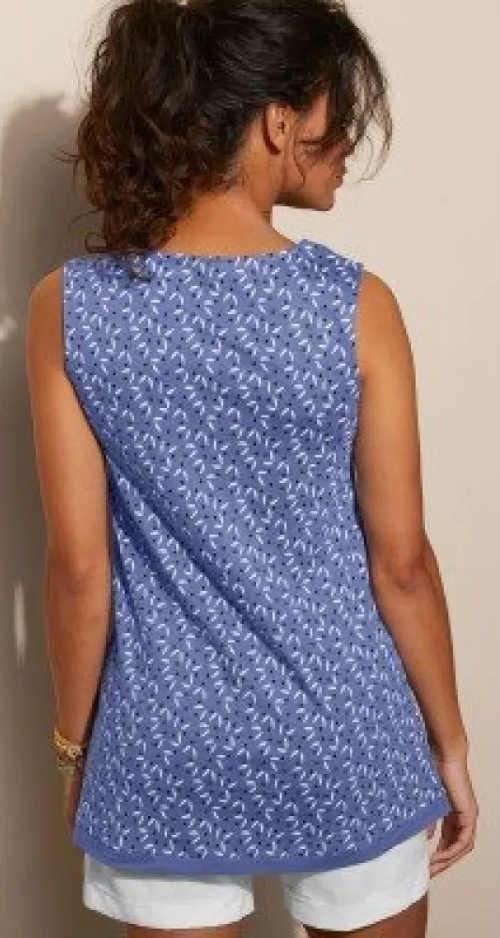 Modrá letná voľnočasová blúzka pre plnšie tvary