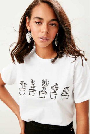 Bavlnené tričko s krátkym rukávom a modernou potlačou